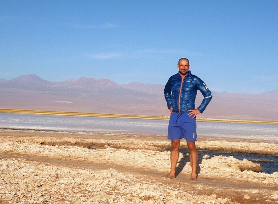 Evening wear -  desert style - Montane wind proof top and 2XU shorts