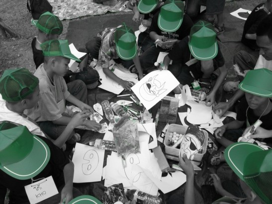 green hats colouring
